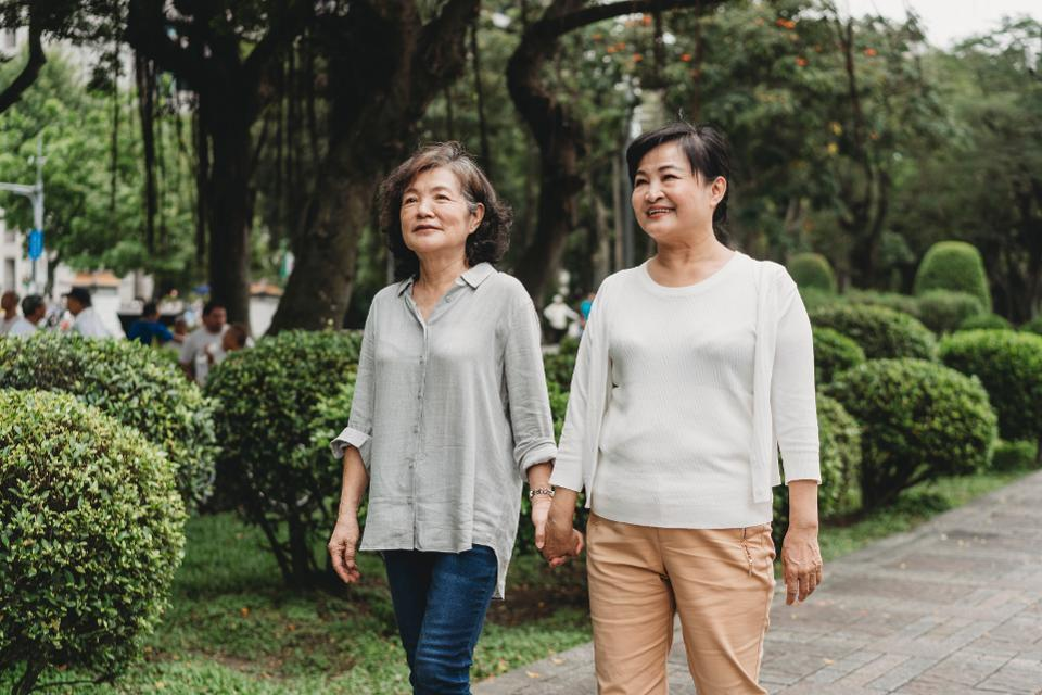Financial Considerations For LGBTQ Couples As They Age Thumbnail
