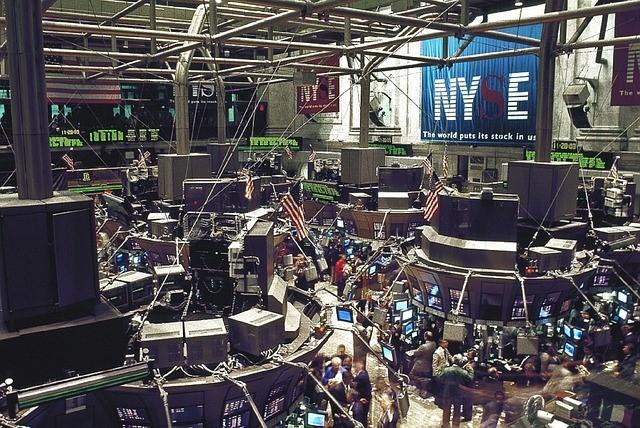 Dow Reaches 19,999.99 Thumbnail