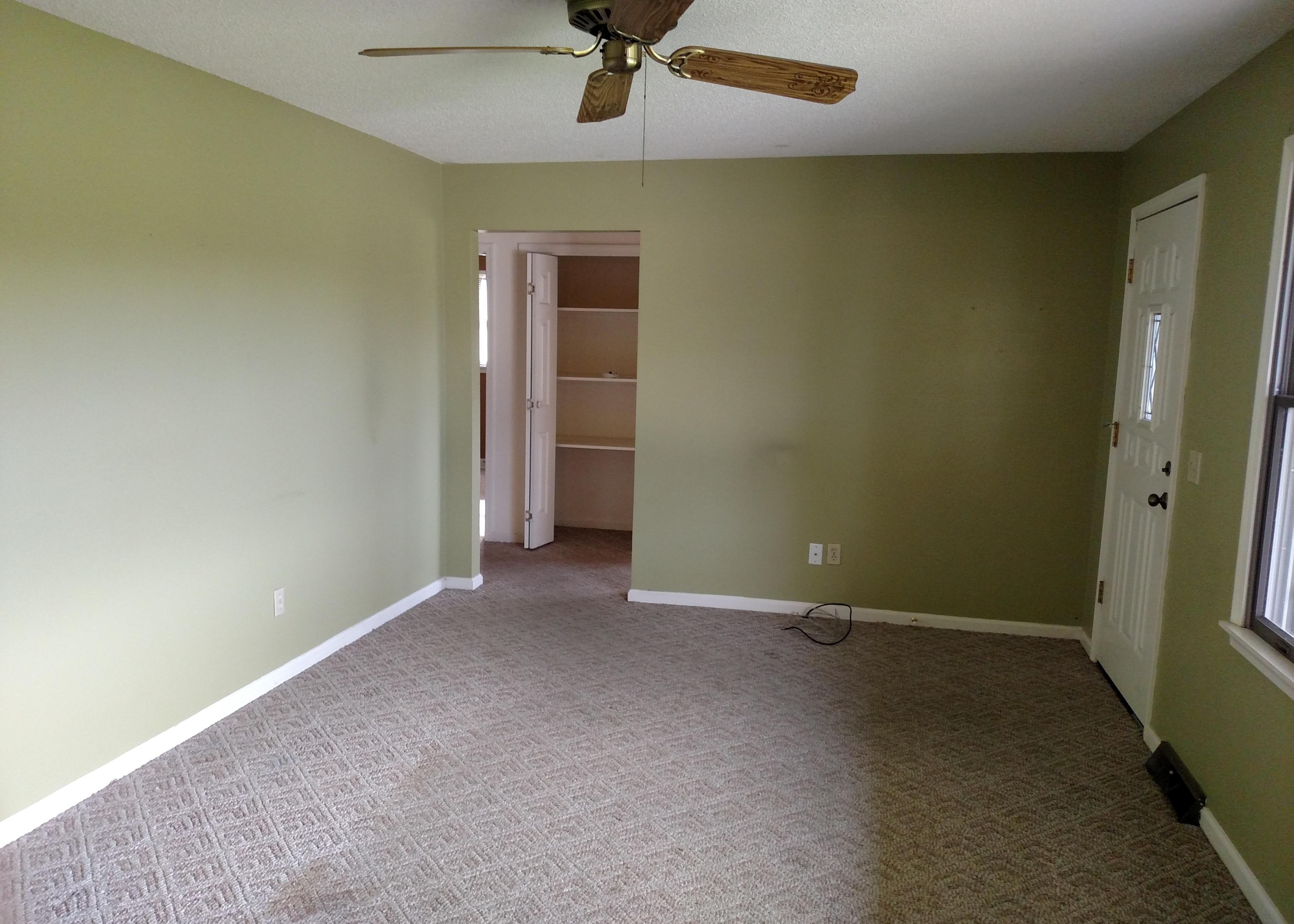 Throwback Reno : Long & Lean Living Room Edition Thumbnail