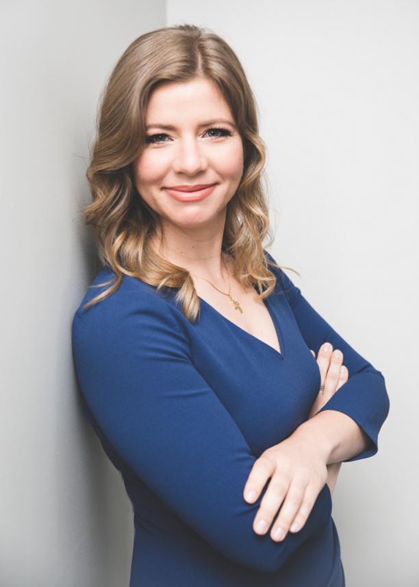Theresa Claire, CFP® Photo