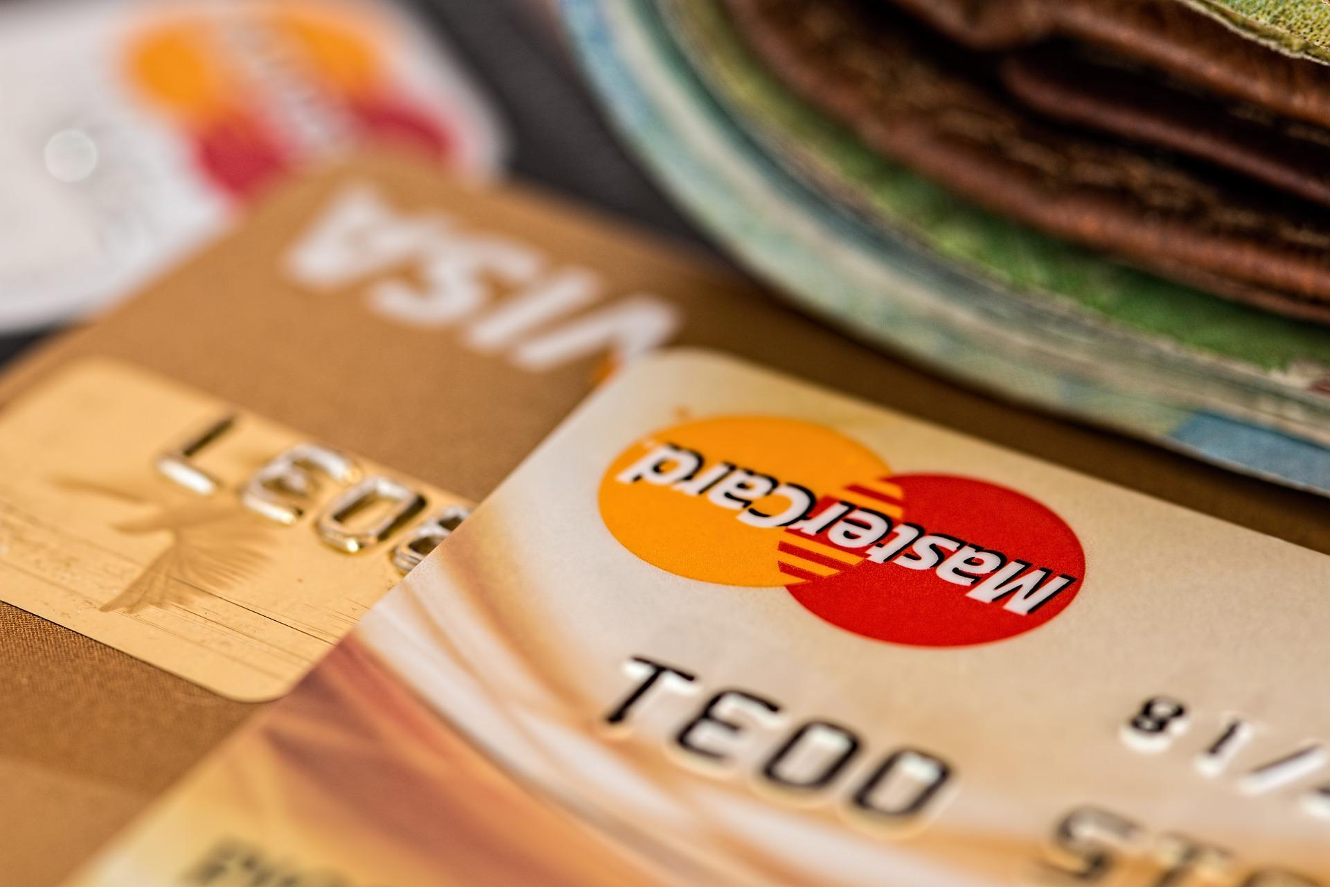 5 Reasons You Should Pay Off Your Credit Cards Before Your Divorce Thumbnail
