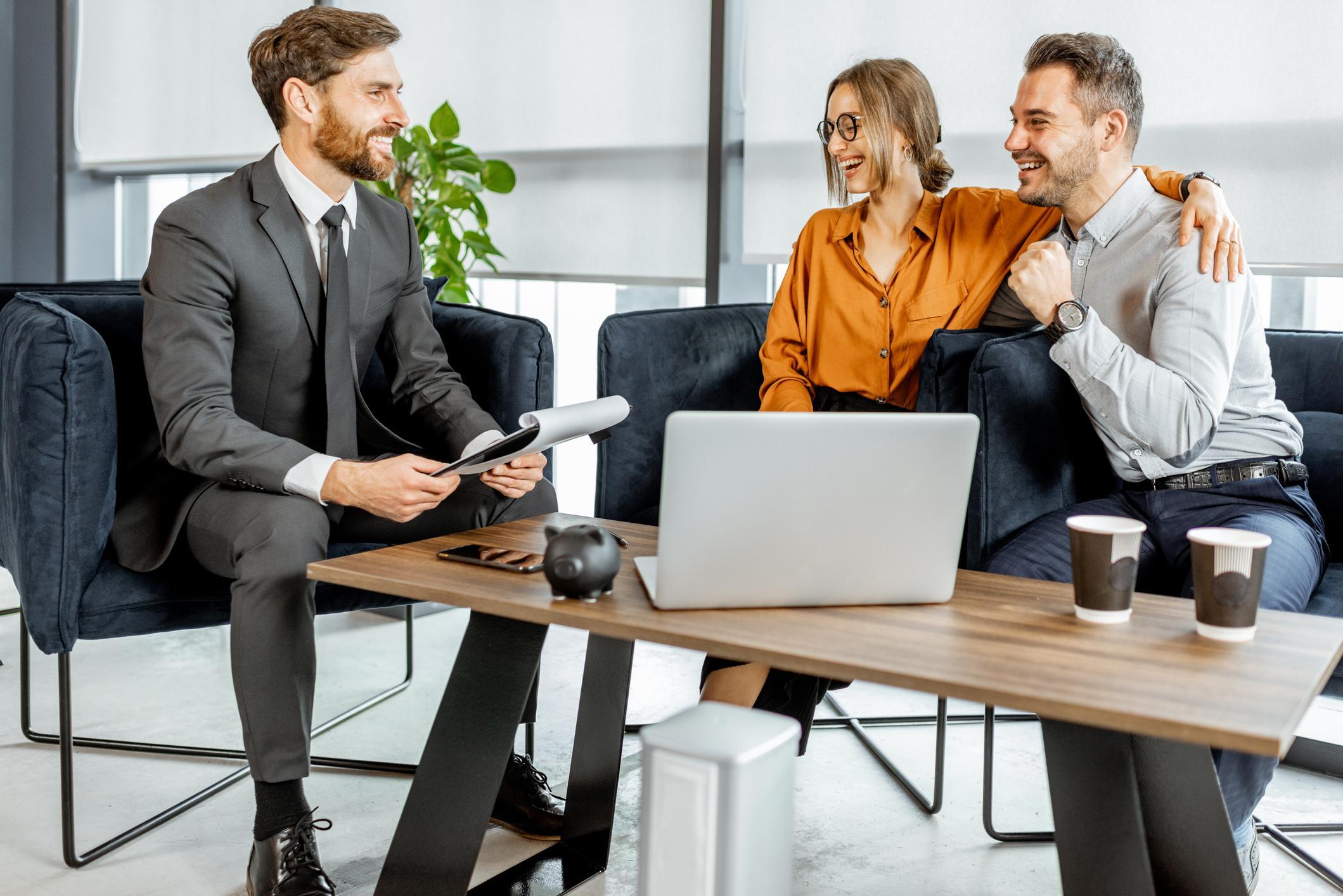 Wealth Manager vs. Financial Advisor Thumbnail