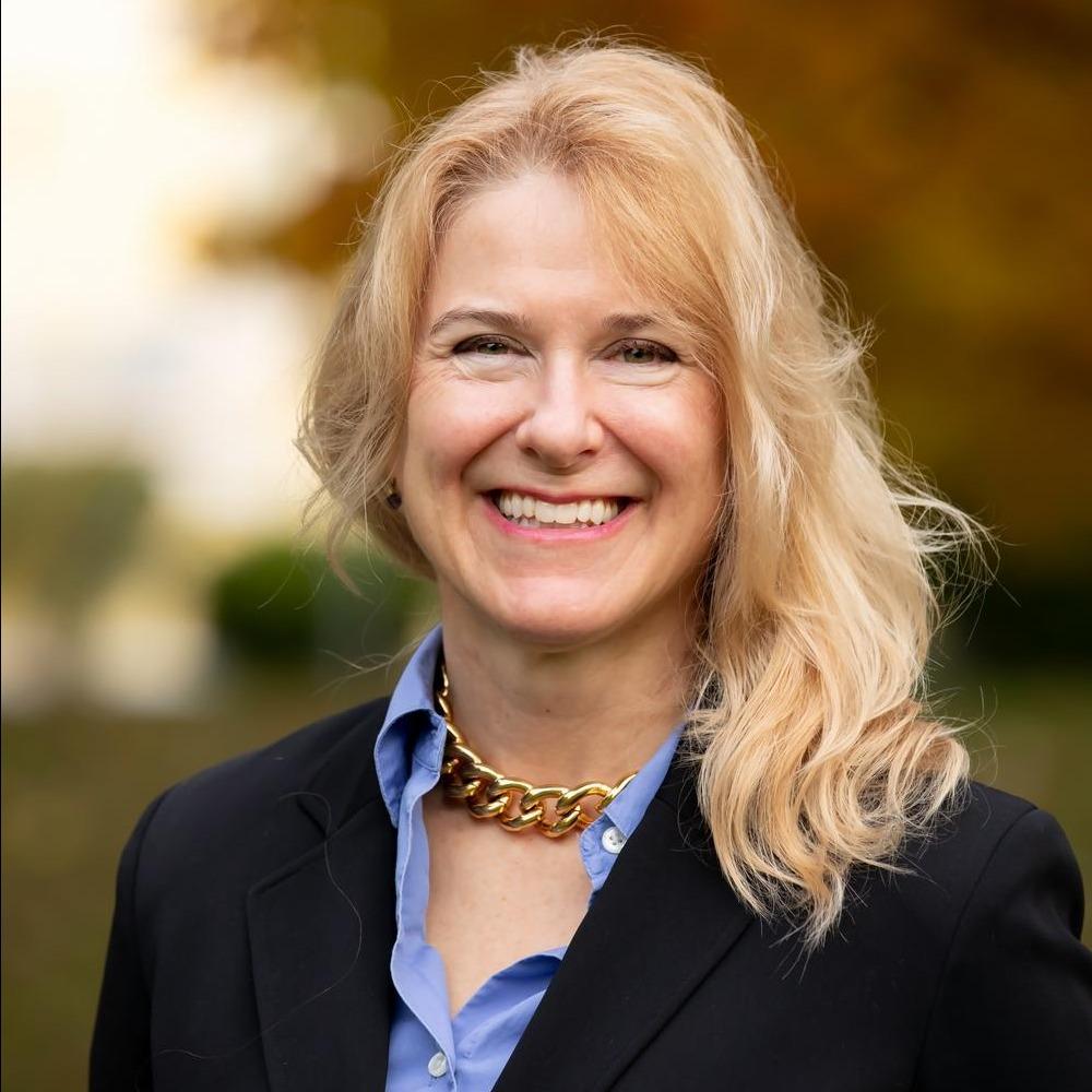 Suzanne D. Stepan, CFA®, CFP® Hover Photo