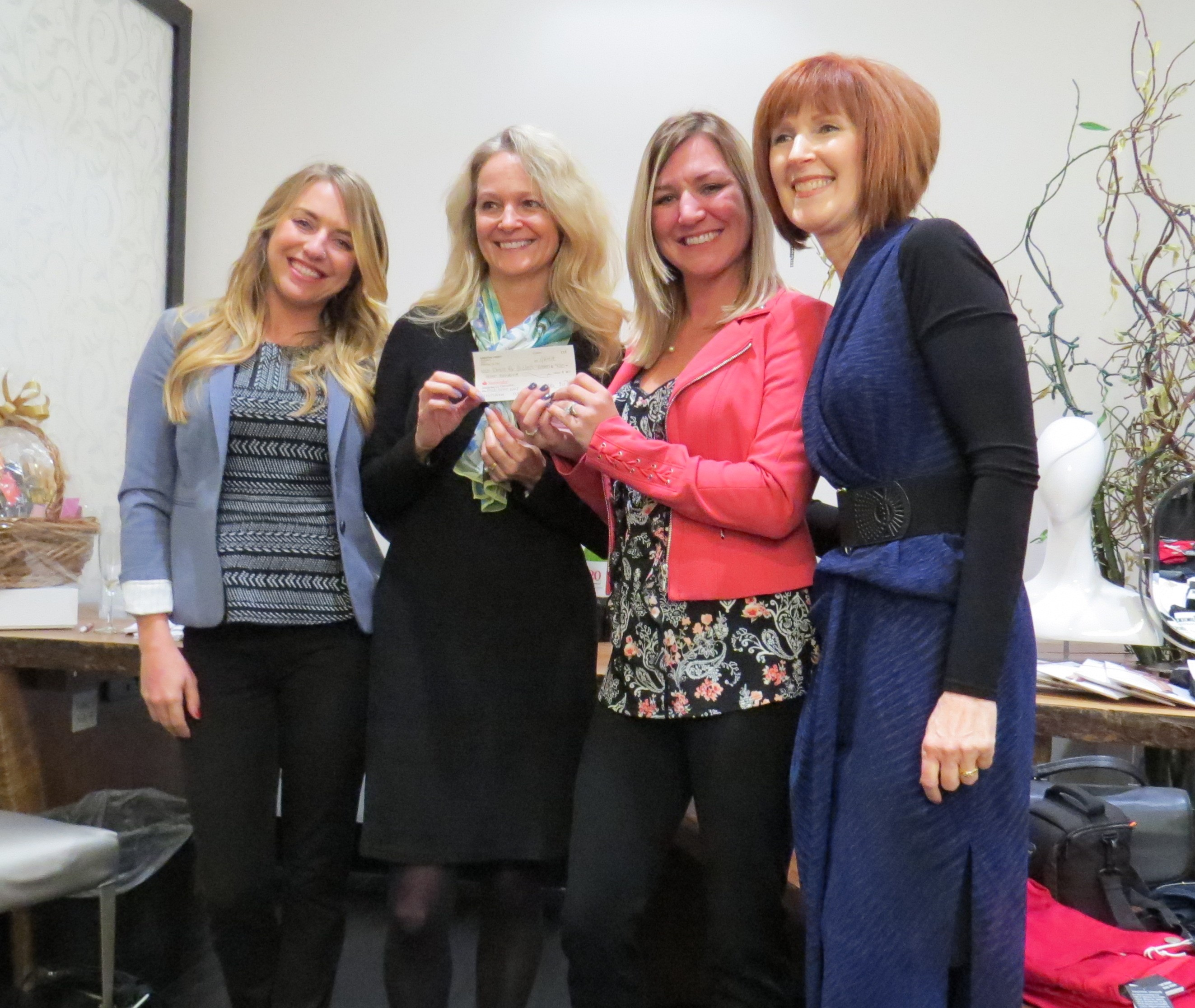 Scott Sisters with Kim and Ginger at Dress for Success