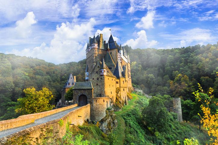 To build a strong castle, choose the right building blocks Thumbnail