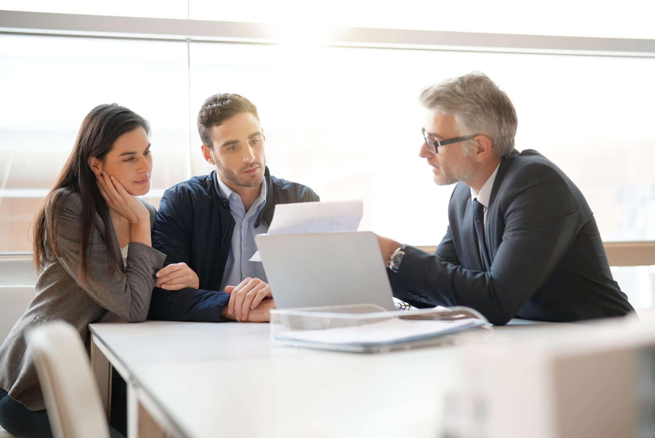 6 Questions You Should Be Asking When Hiring a New Financial Planner Thumbnail