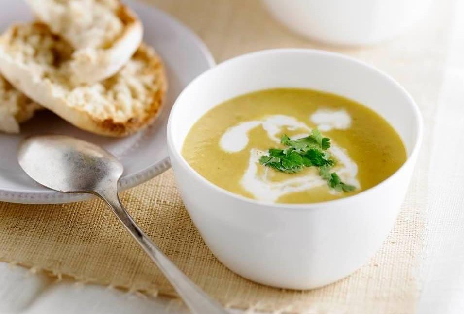 Soupe épicée à la courge et aux pommes Thumbnail
