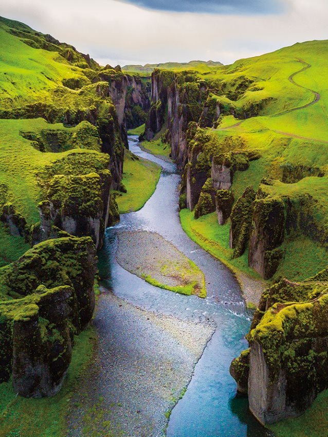 image of gorge in iceland