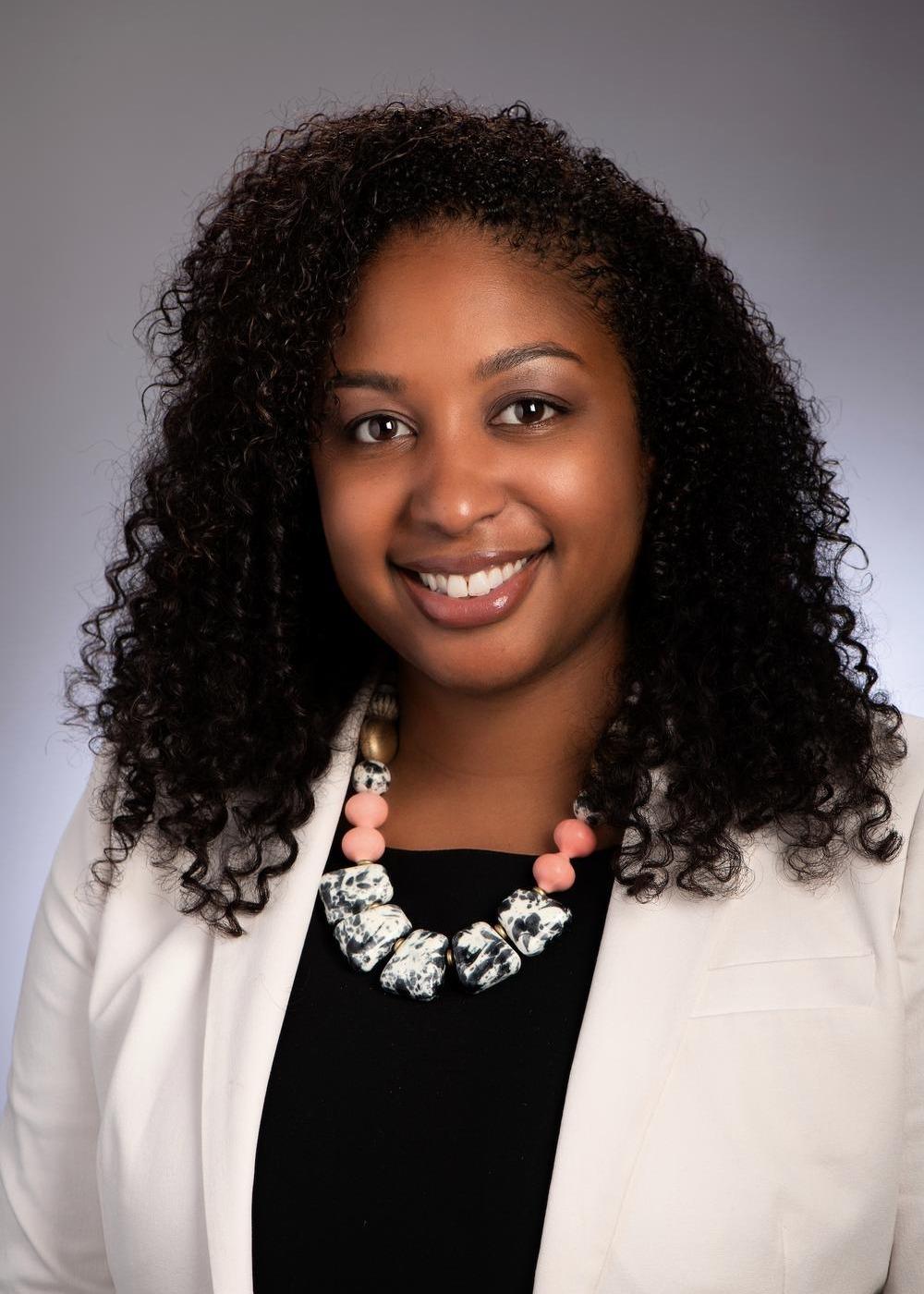 Kamila Elliott McDonnough, MBA, CFP® Photo