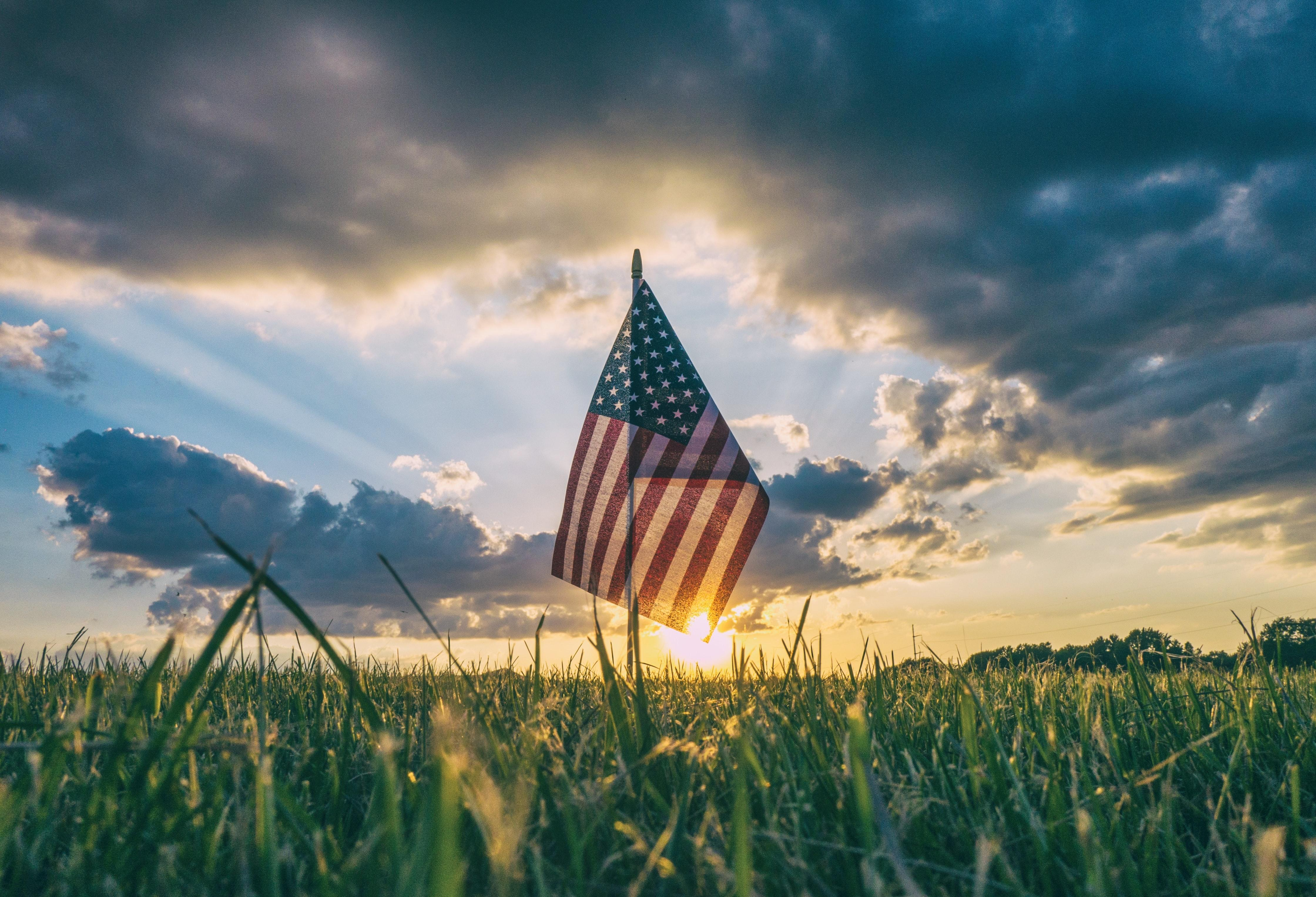 Happy Independence Day! 5 Ways to Find Your Financial Independence This Year Thumbnail