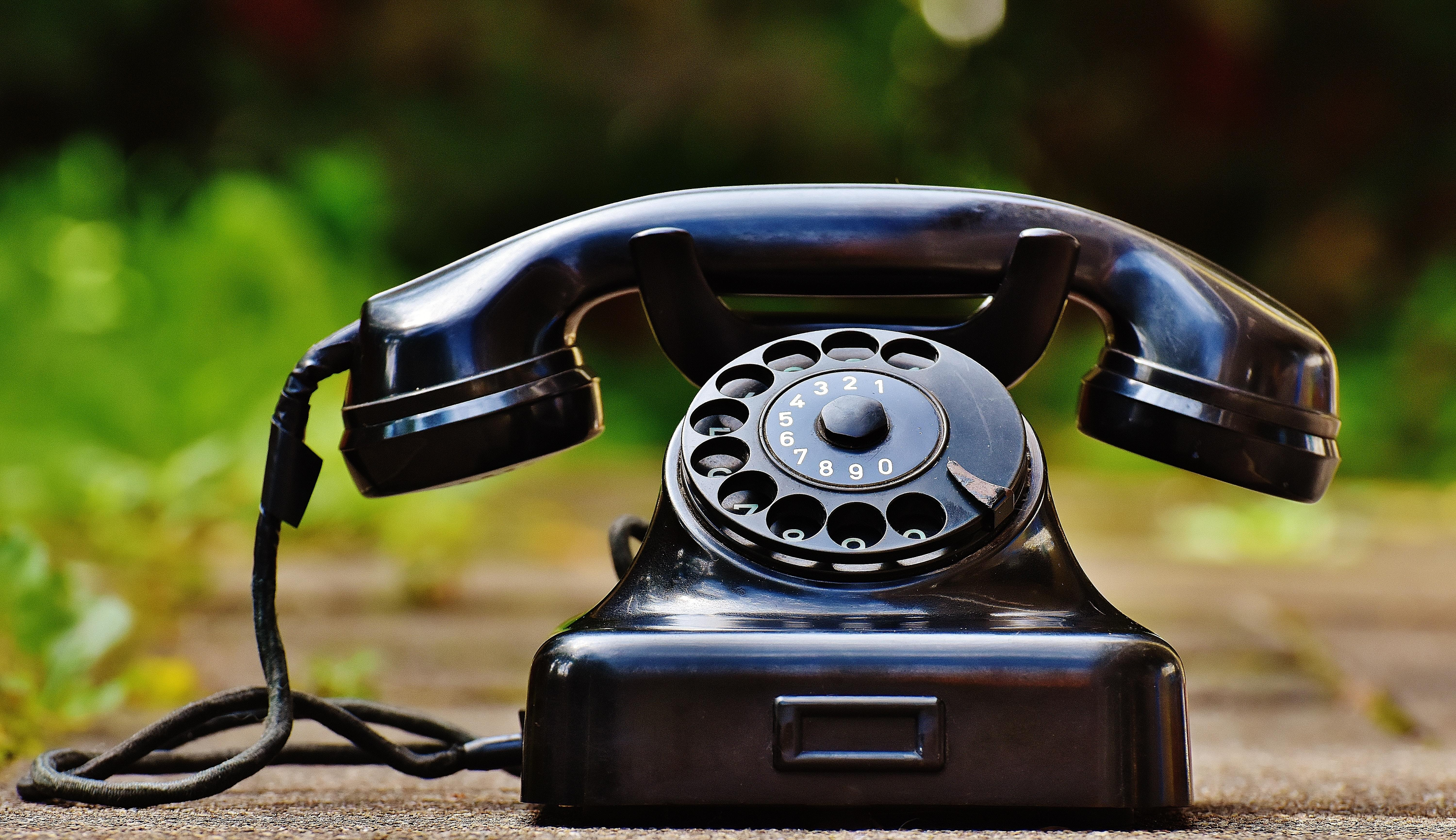 How the Loss of the Landline Is Changing Family Life Thumbnail