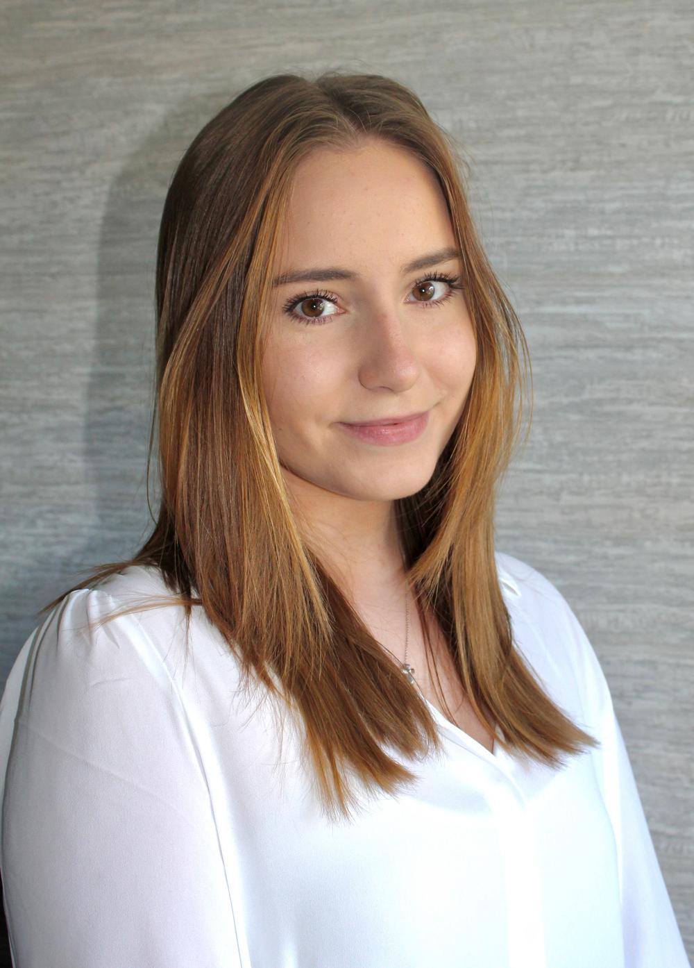 Karina Karazhbey Photo