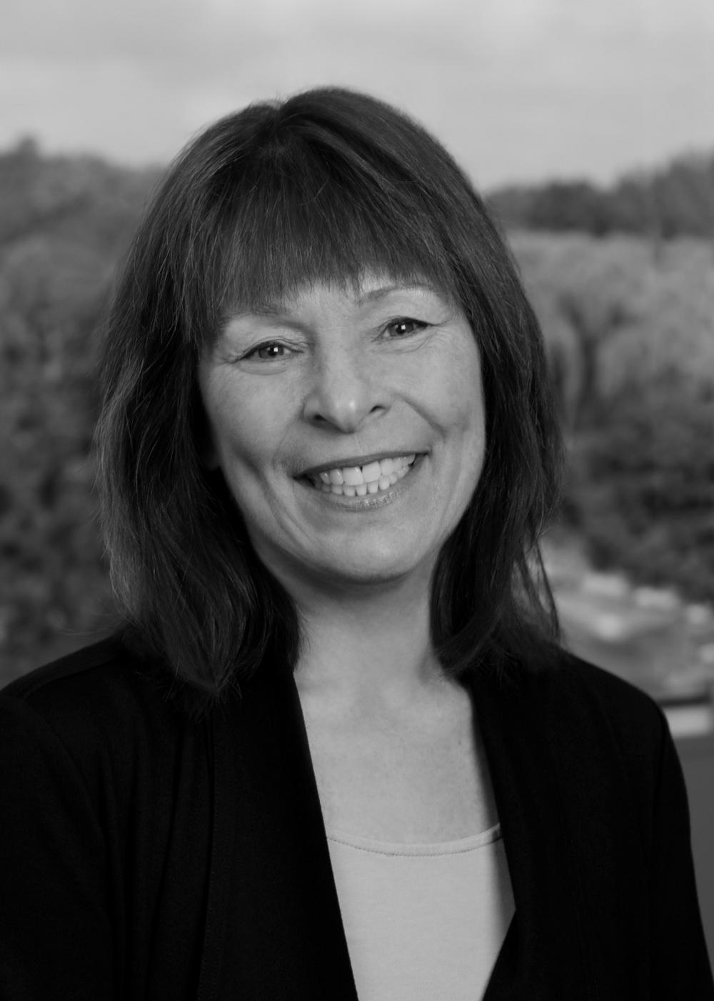 Paula Mikrut, CFA Photo