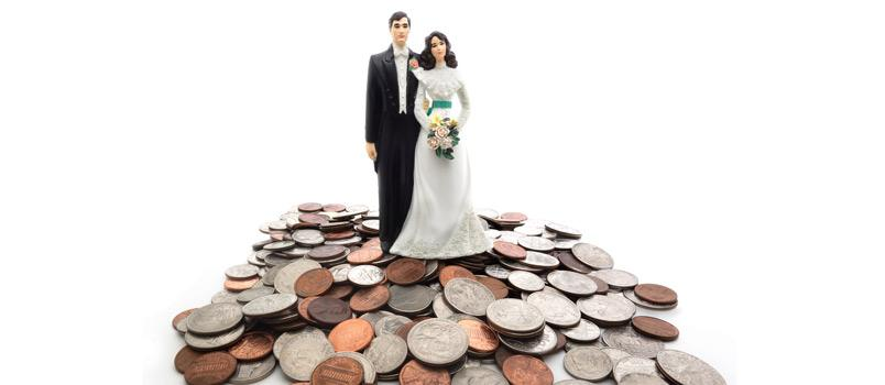 Getting Married? 5 Financial Considerations to Discuss With Your Partner First Thumbnail
