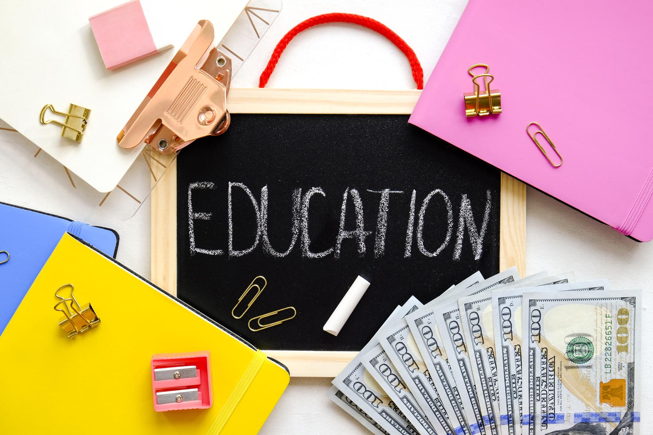 Are Higher Ed Expenses Tax Deductible? A Quick Reminder for Parents Thumbnail