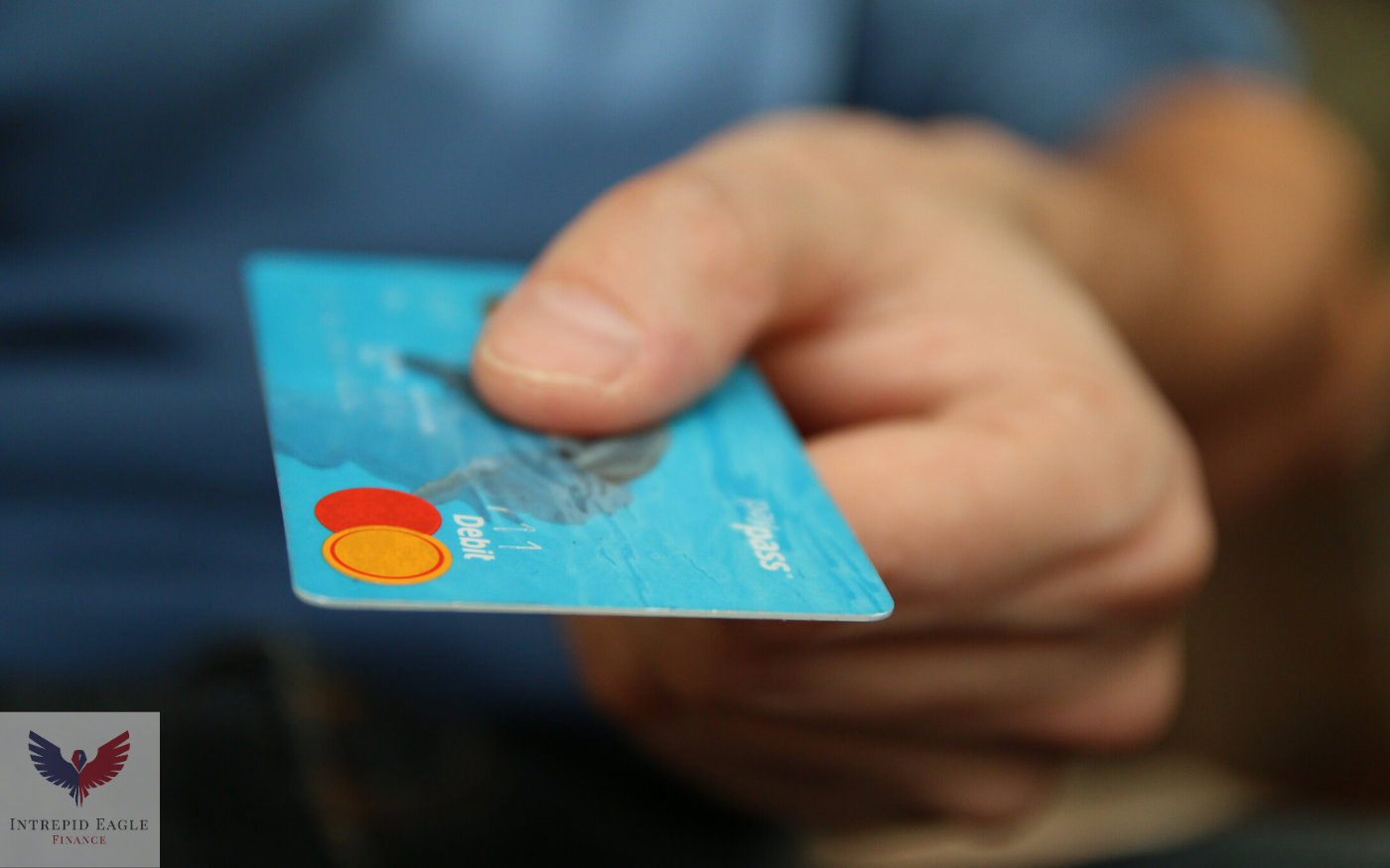 What should I do if I missed a credit card payment? Thumbnail