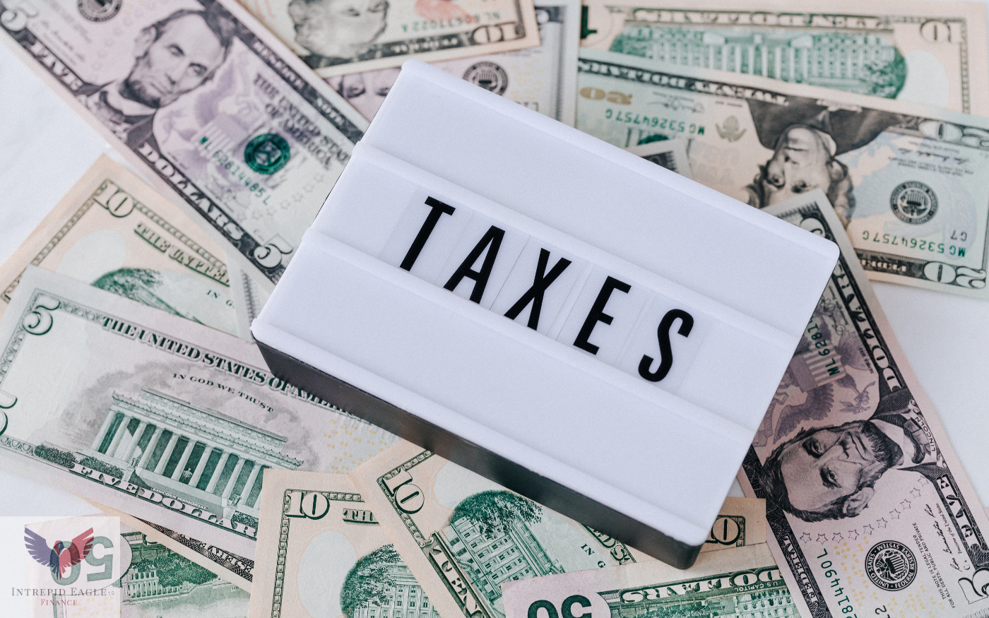What Is the Difference Between a Tax Credit and Tax Deduction? Thumbnail