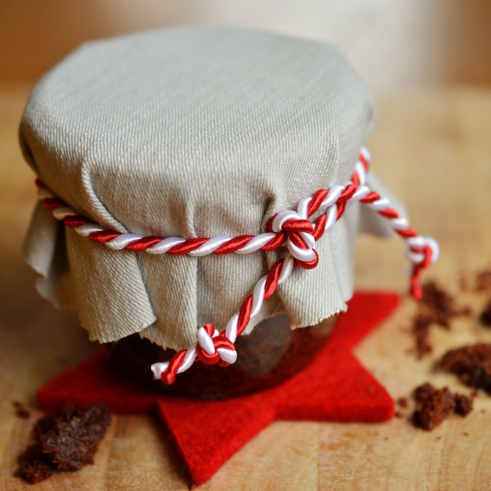 Little to No Gift Budget for 2020? 5 Low-Budget, Handmade Gift Ideas Thumbnail