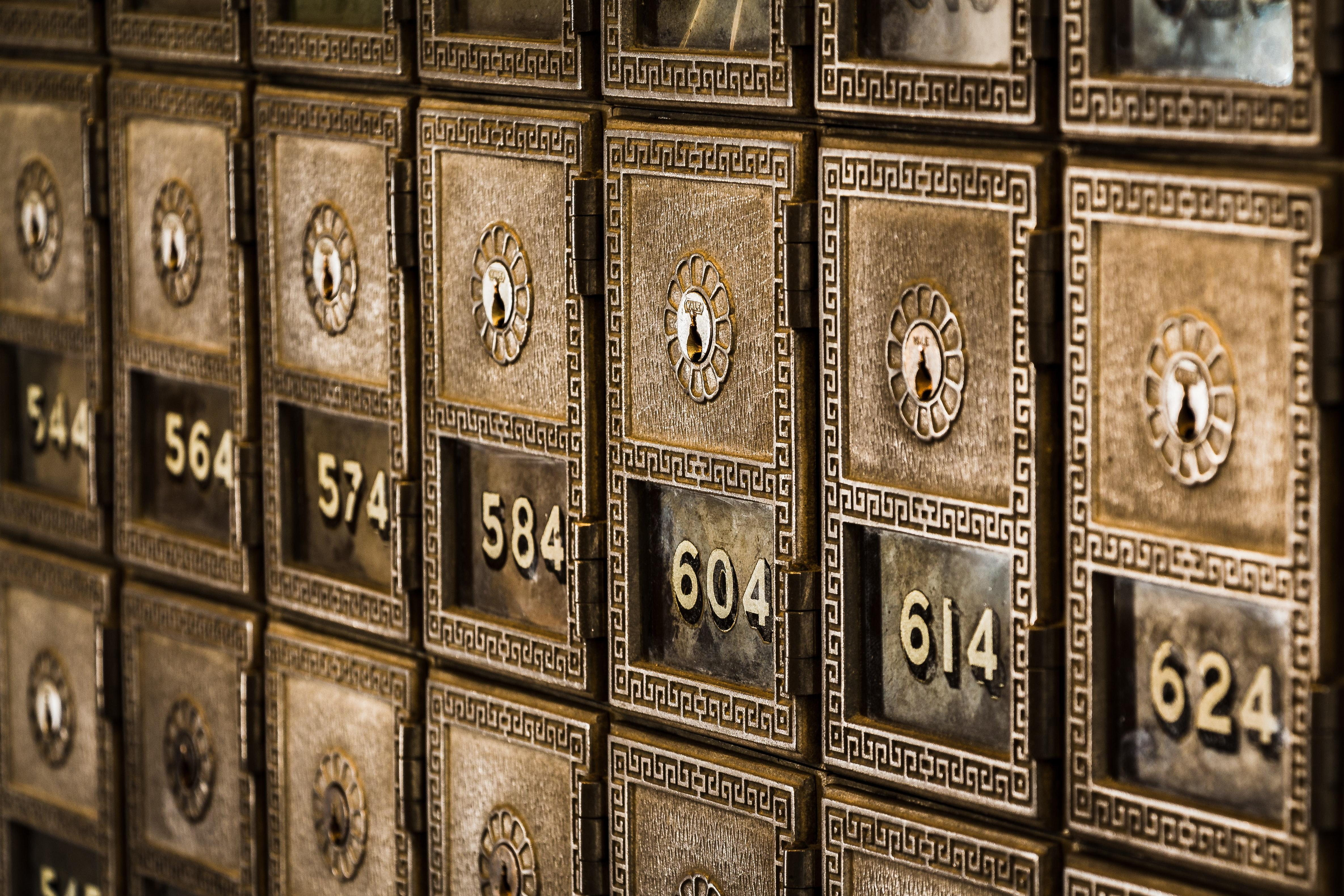 What Is a Digital Safe Deposit Box and What Should I Put in it? Thumbnail