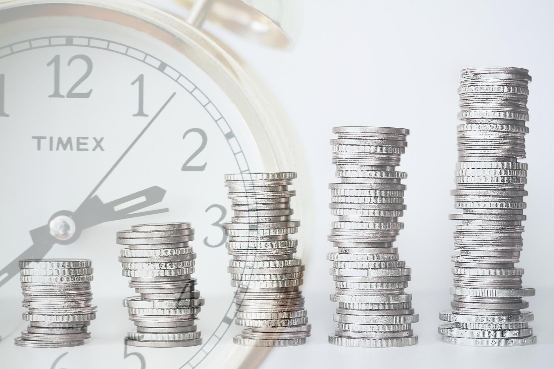 How Age Impacts Your Investment Decisions Thumbnail