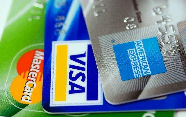 How to Build Better Credit With Your Credit Cards Thumbnail
