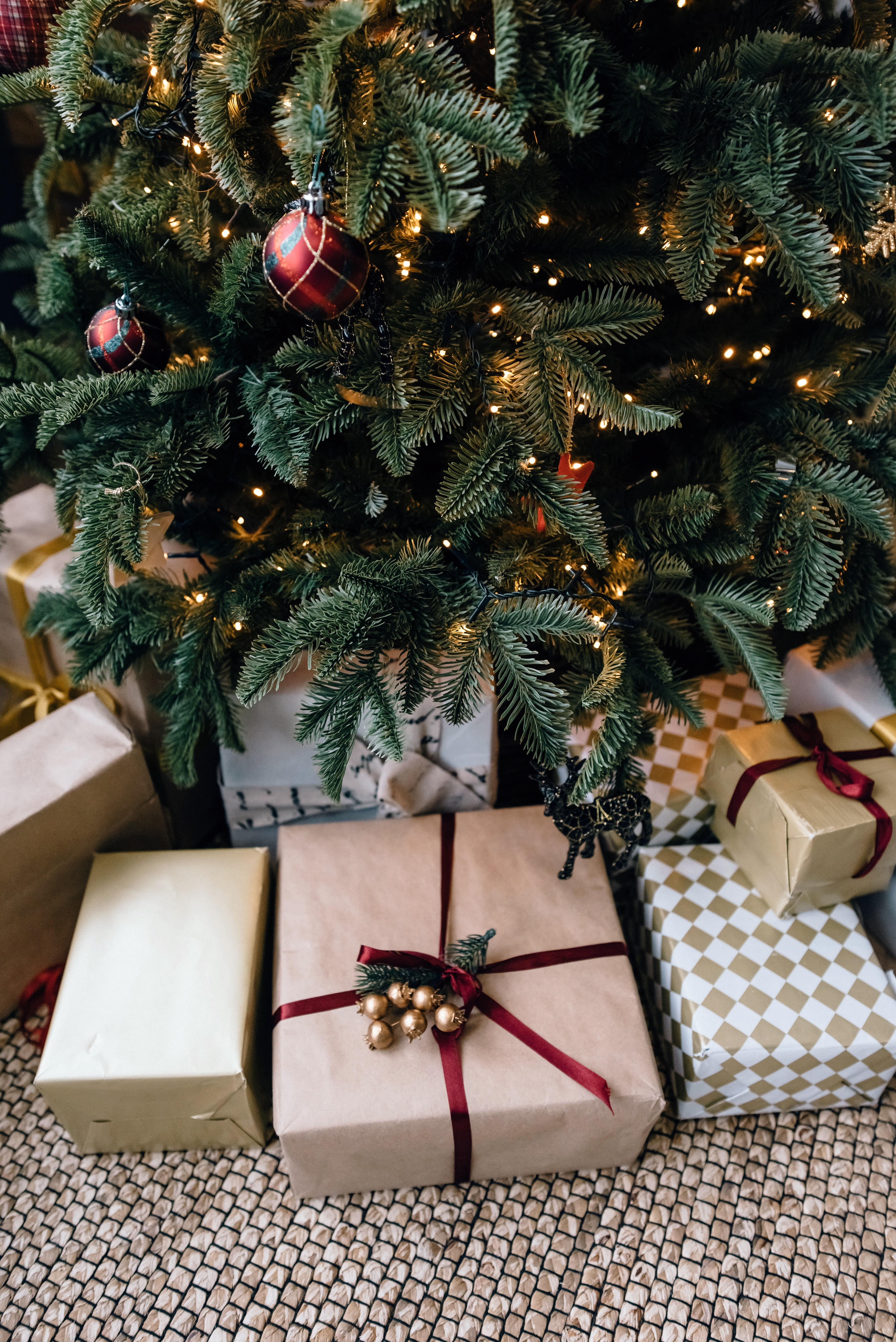 Little to No Gift Budget for 2020? 6 Low-Budget, Handmade Gift Ideas Thumbnail