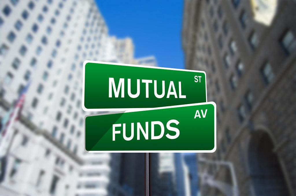 Why You Should Stop Chasing Mutual Fund Hot Tips  Thumbnail