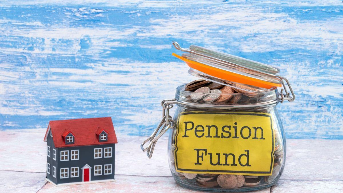 Should I overpay my mortgage or pay into a pension? Thumbnail