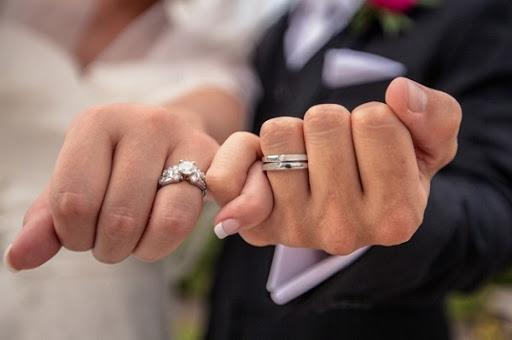 Huffpost: Make Sure You Have These Money Talks Before Saying 'I Do' Thumbnail
