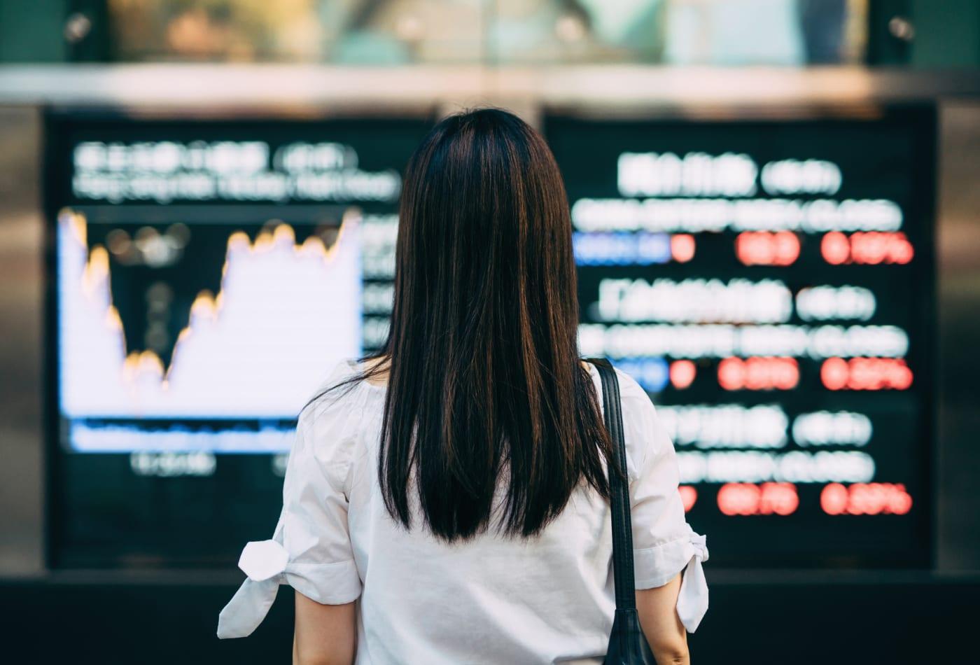 Buying Stocks In A Falling Market Thumbnail