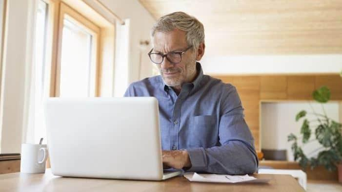 Retired? Here Are 17 No-Cost Ways to Make Money on the Side Thumbnail