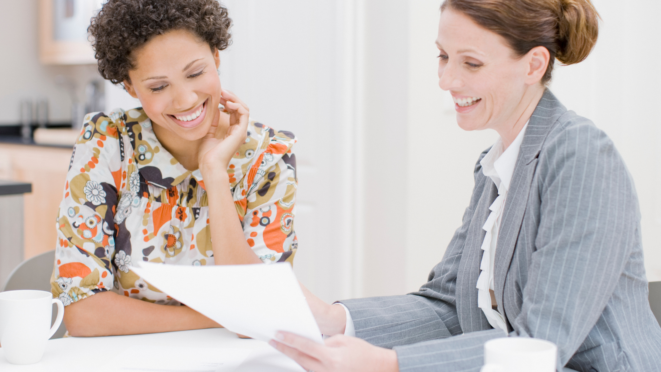 What to Know About Working With a Financial Professional  Thumbnail