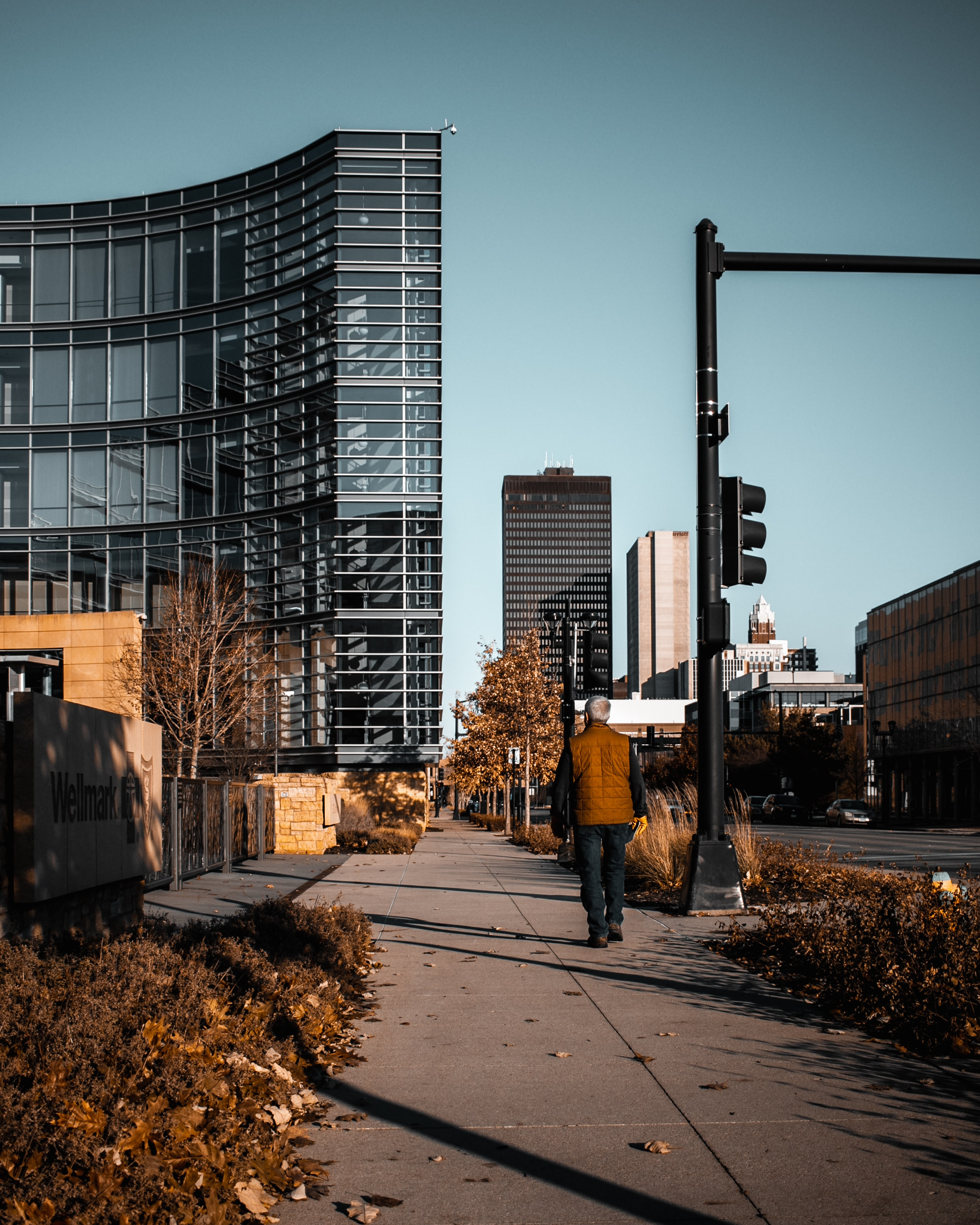 Street view of down town Des Moines Iowa