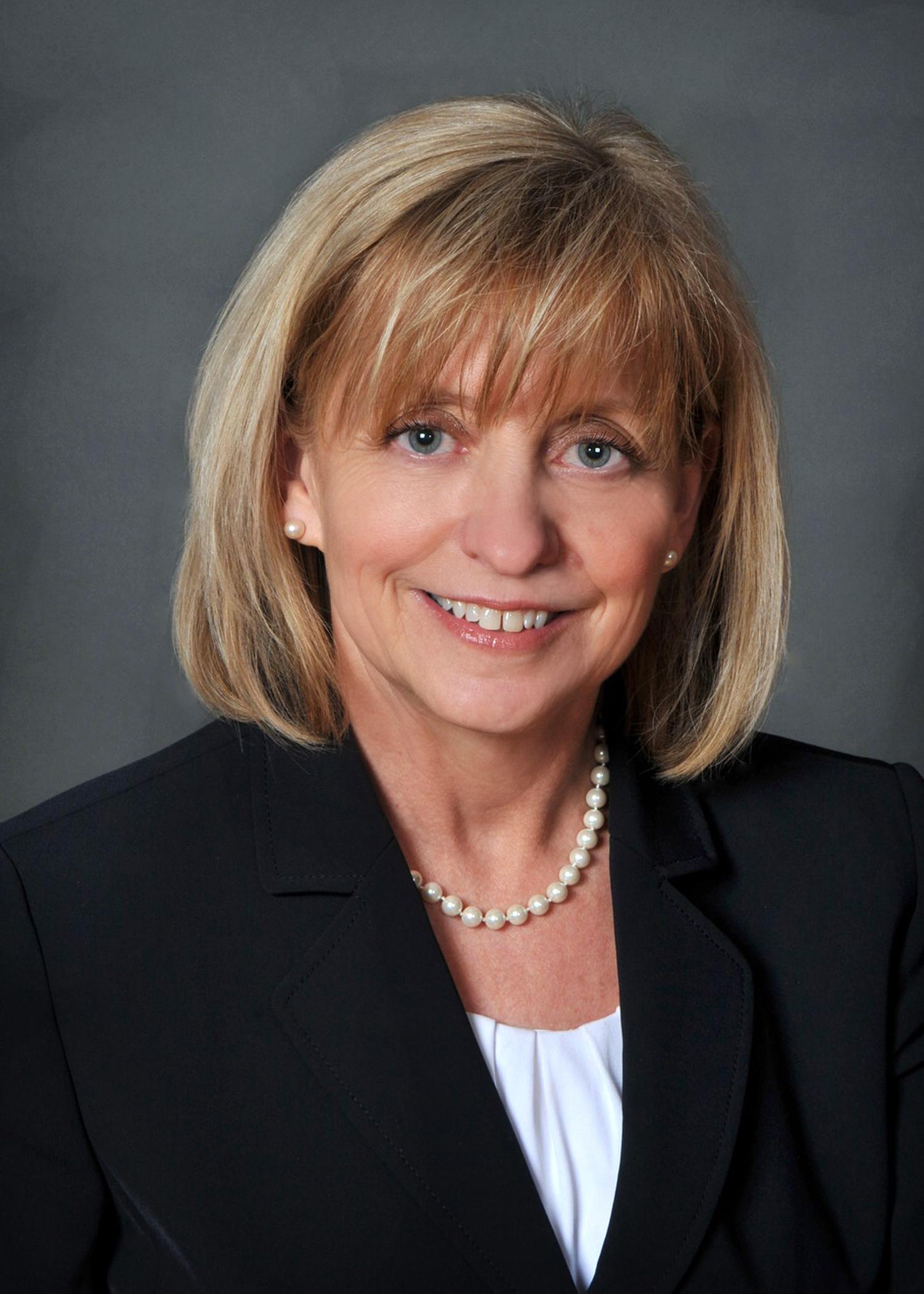Darlene R. Dahl