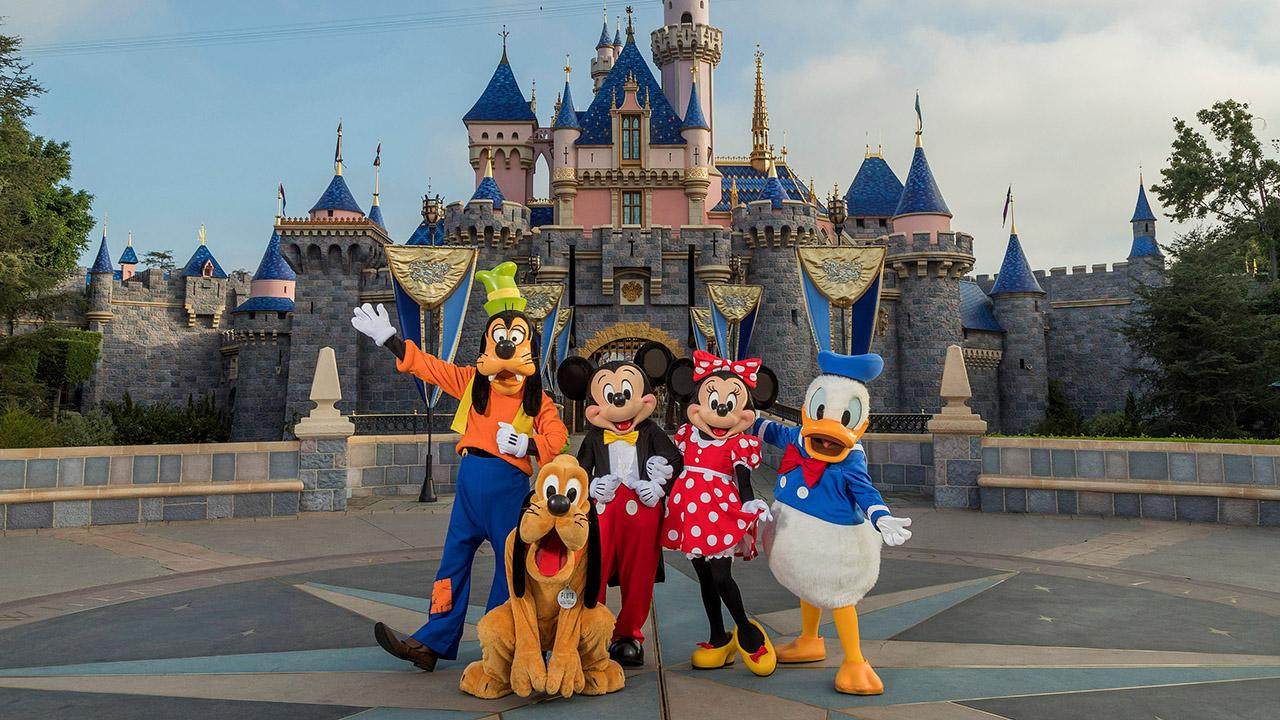Disney shares rise thanks to positive vaccine news  Thumbnail
