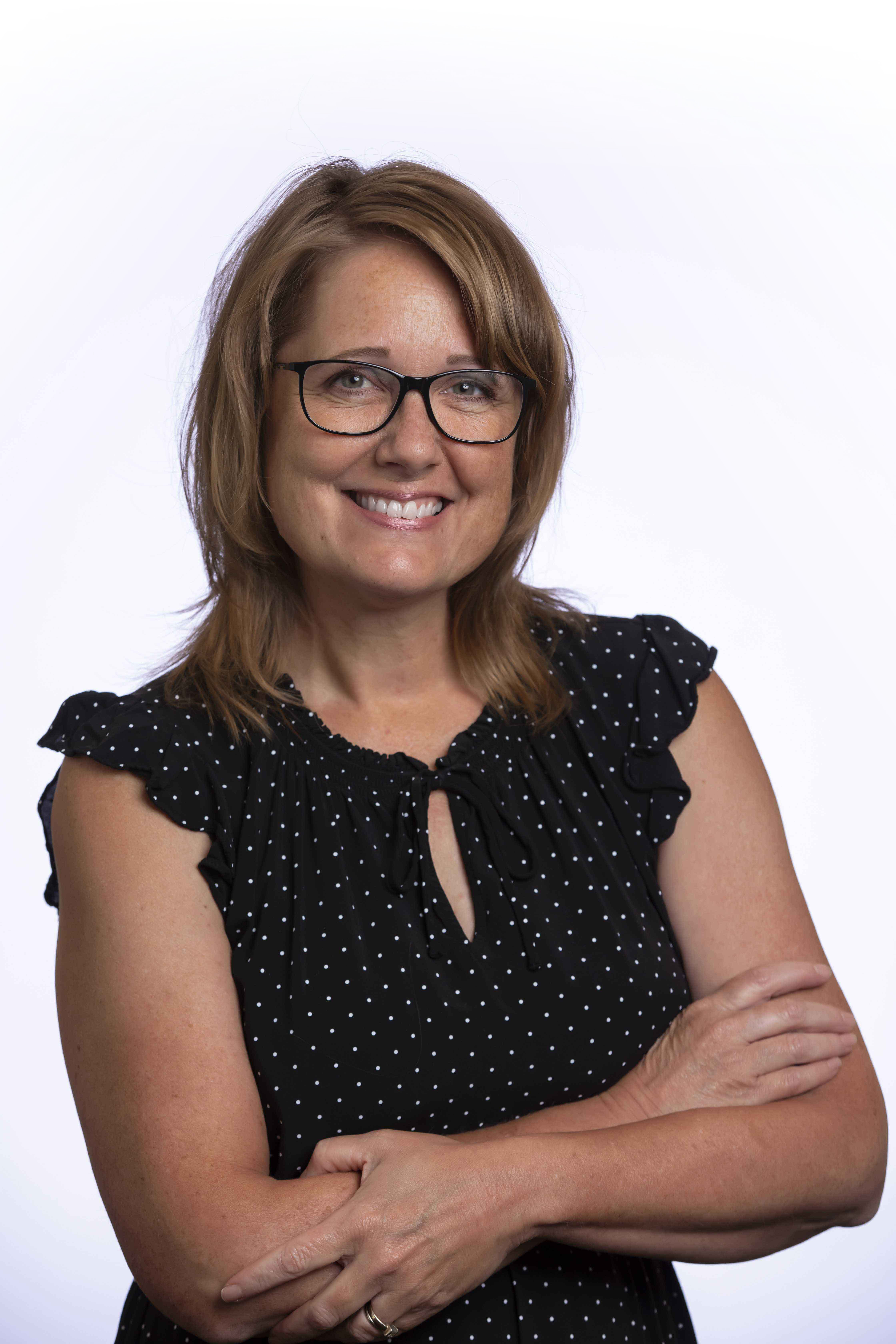 Sandra Myers Headshot