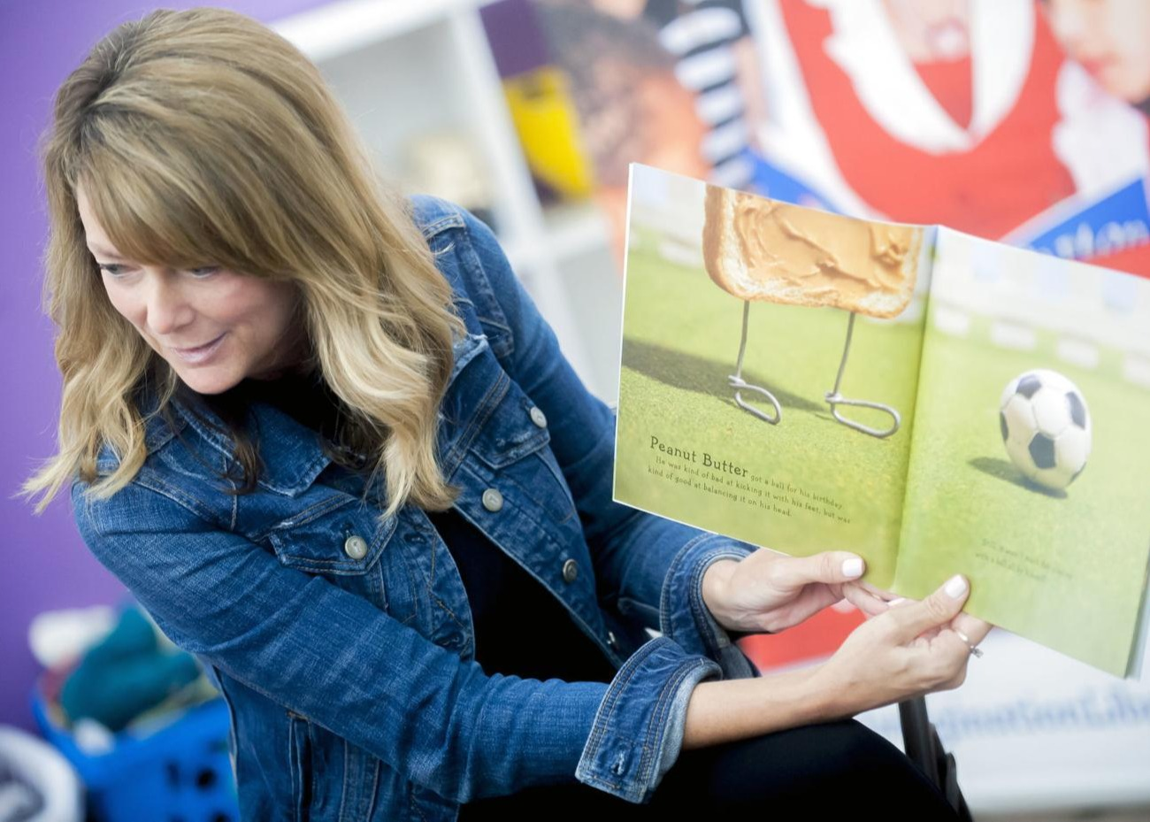 Sponsorship to provide children with free books Thumbnail