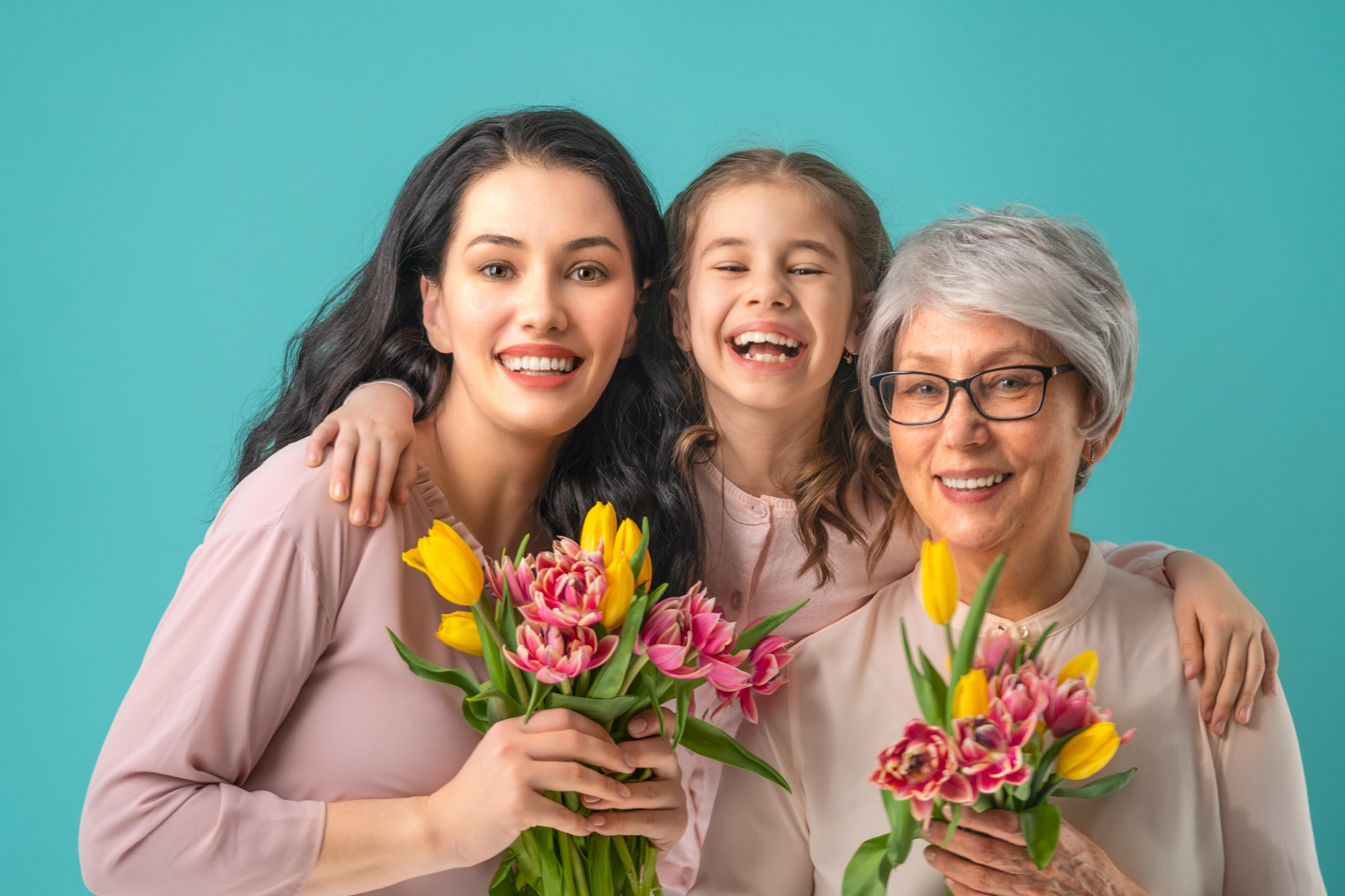 Financial Lessons We've Learned from our Mothers  Thumbnail