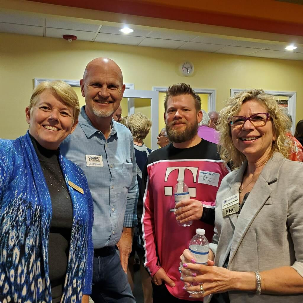 Networking with Chamber of Commerce Members Thumbnail