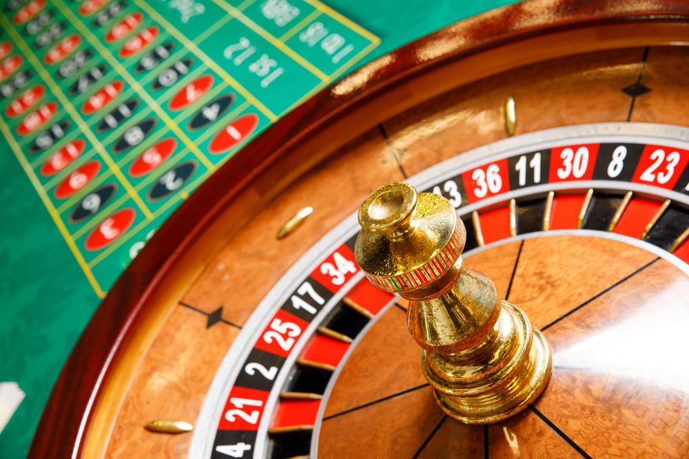 Investing vs. Speculating: Risk Management Tips for Investors Thumbnail
