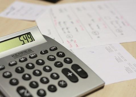 Cinq façons de réduire vos impôts Thumbnail