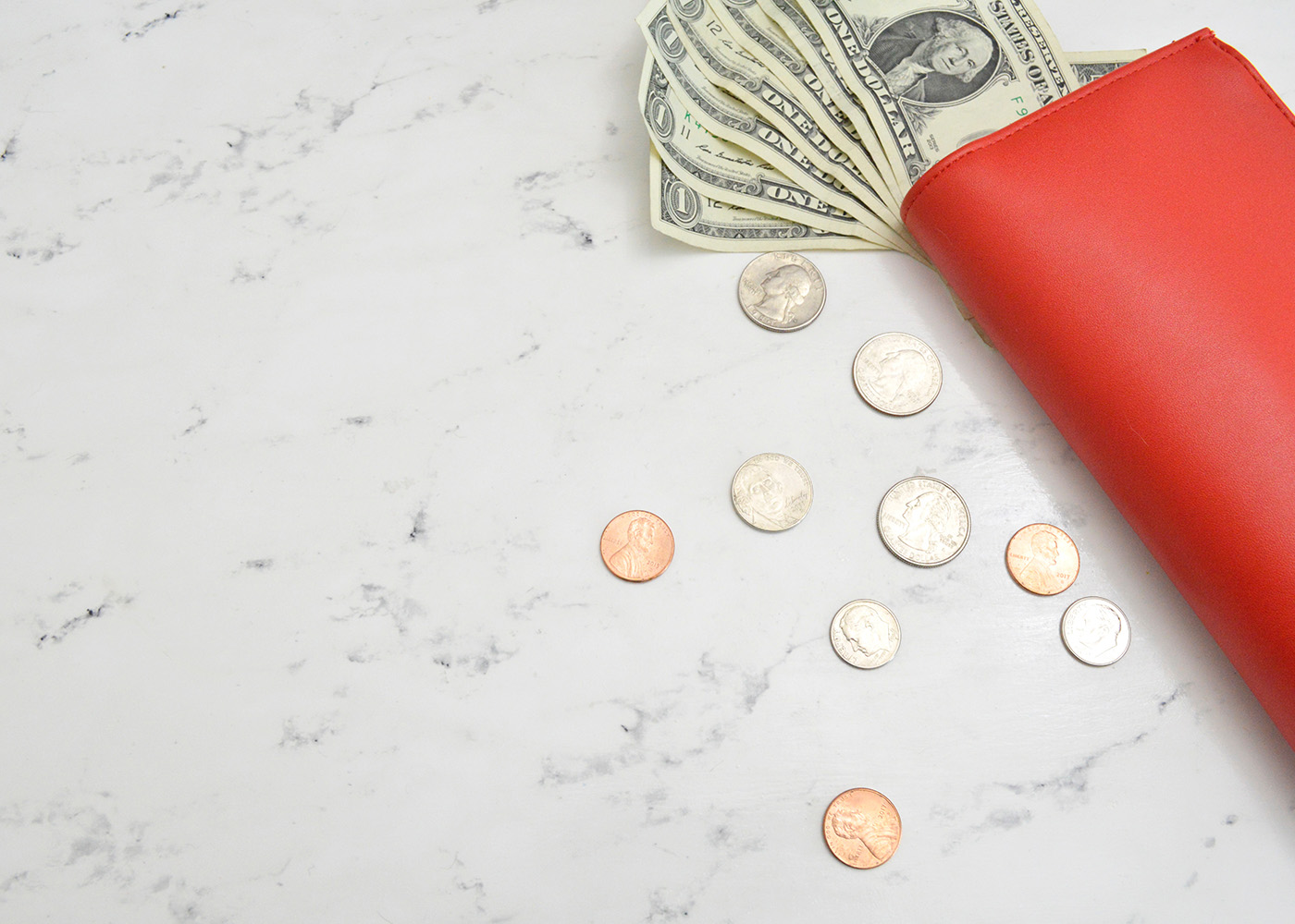 Checking vs. Savings Accounts: How to Earn the Best Interest  Thumbnail