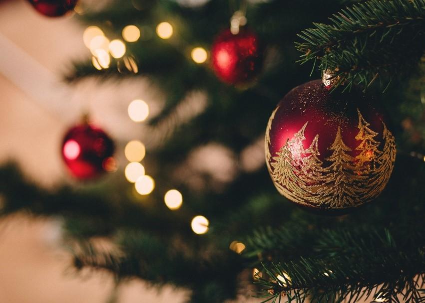Si le père Noël tombait du toit, votre assurance le couvrirait-elle? Voici comment votre compagnie d'assurance traiterait ces mésaventures dignes d'un film de Noël Thumbnail