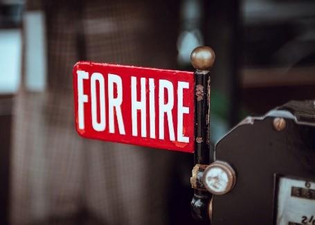 À la recherche d'un emploi? Ces cinq secteurs embauchent pendant la pandémie de COVID-19 Thumbnail