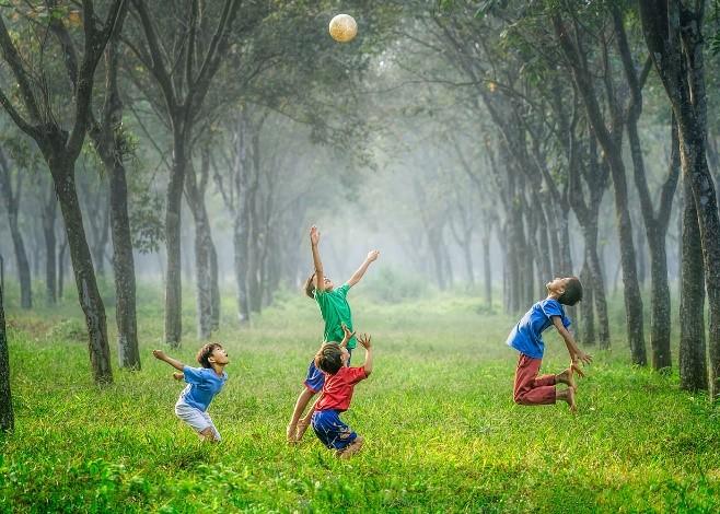 Sur le plan financier, est-il préférable d'avoir des enfants plus tôt ou plus tard dans la vie? Thumbnail